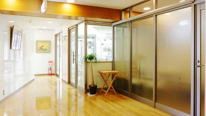 歯科医院の廊下